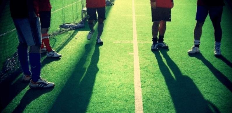 サッカー選手の影